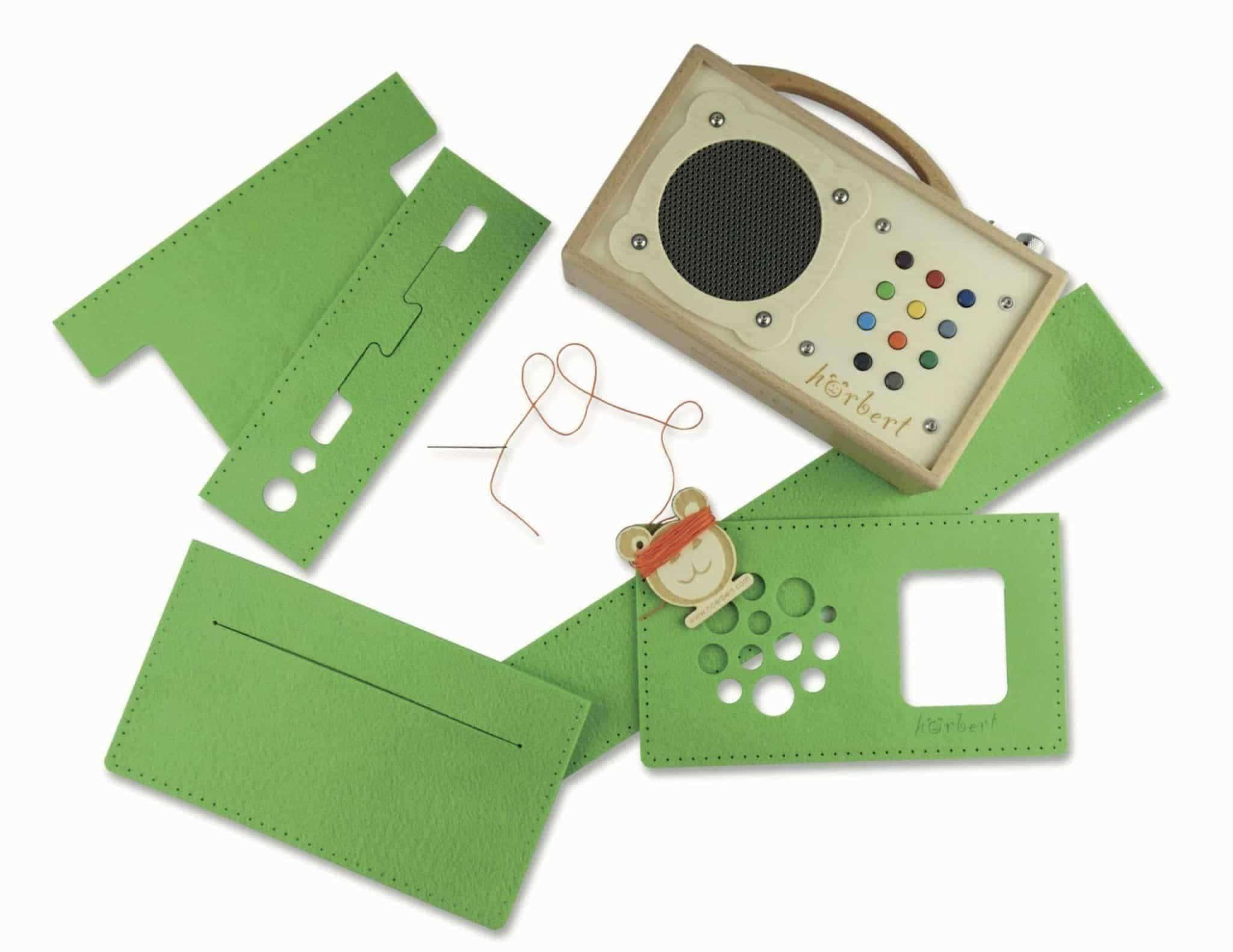 Sewing kit for a hörbert felt bag