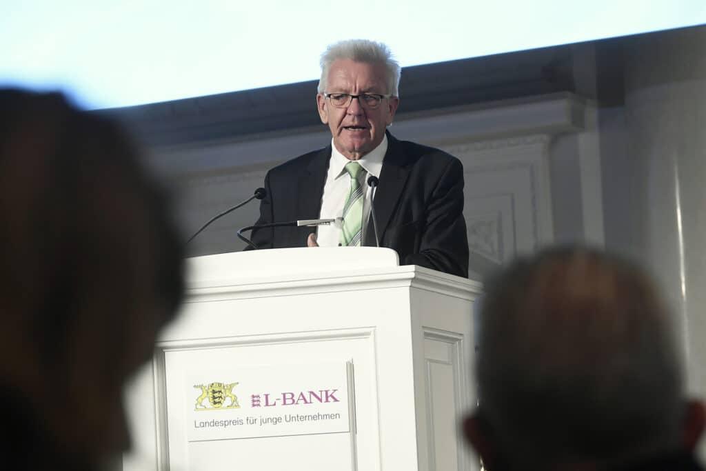 Winfried Kretschmann zum Landespreis für junge Unternehmen