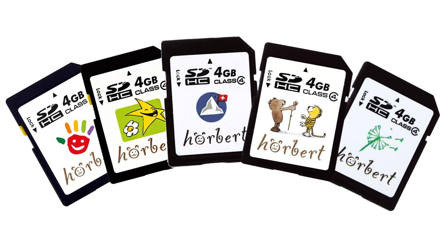 Vorbespielte Speicherkarten mit spezieller Auswahl an Geschichten und Kindermusik für hörbert