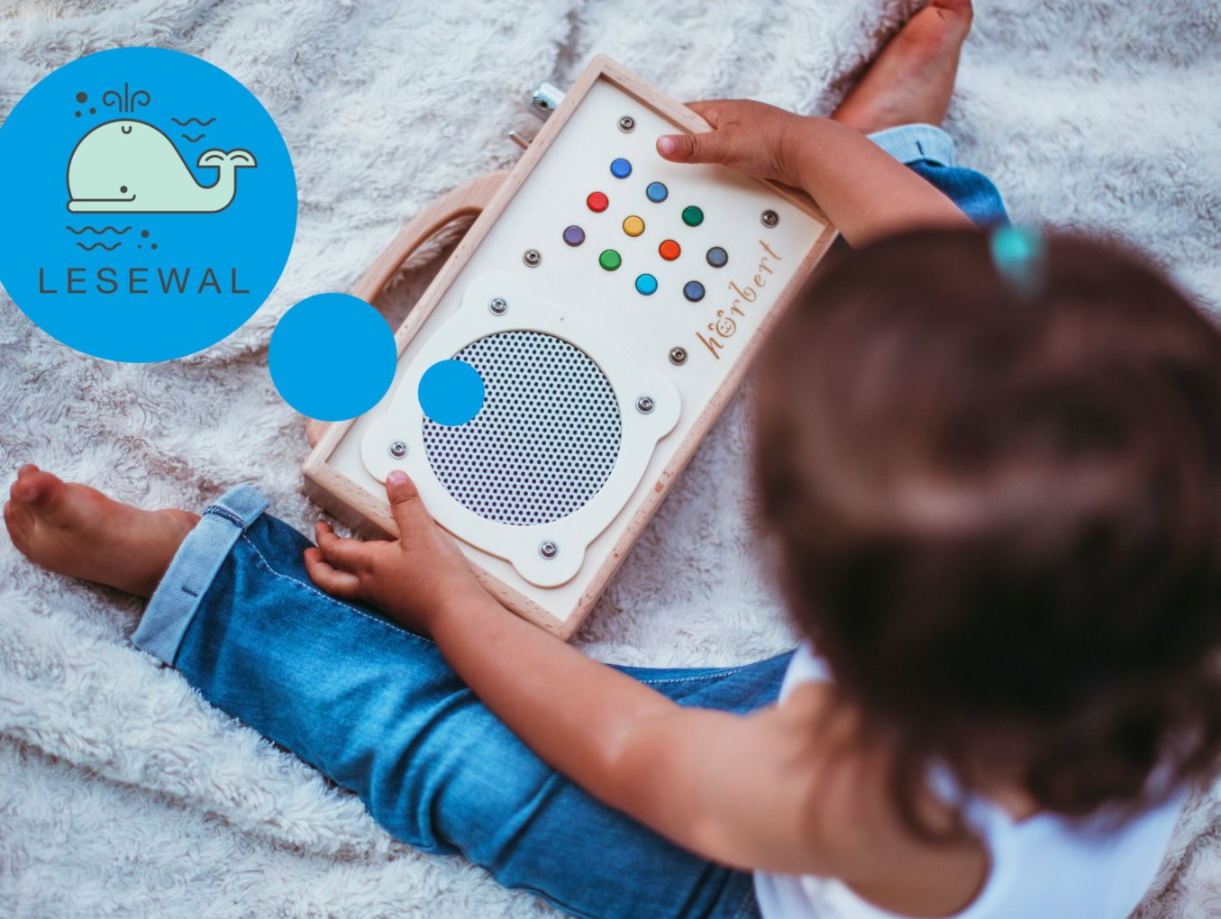 """hörbert-Tip: individual stories from the reading whale and Swiss podcast """"THEO tells"""" for children"""